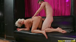 Super broad in the beam ass on a cock riding fair-haired mommy