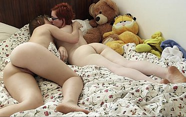 Lesbian sex down her best friend