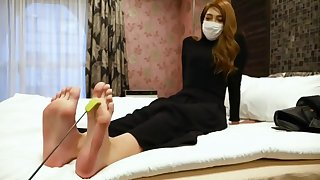 japanese beauty feet tickling