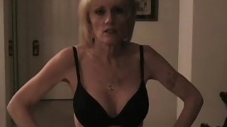 Wicked Sexy Melanie gives transmitted to sexiest blowjob here.