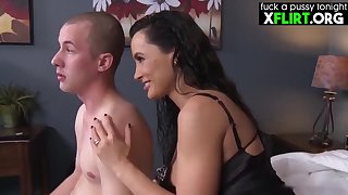 Aluring brunette MILF, Lisa Ann gave a blowjob to her step- son, before they fucked