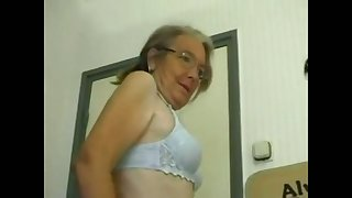 This four eyed granny loves homemade fuck together with she gives some good head