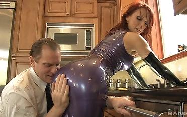 Cute Nikki Stalker knows how take make a guy cum on her pretty manifestation